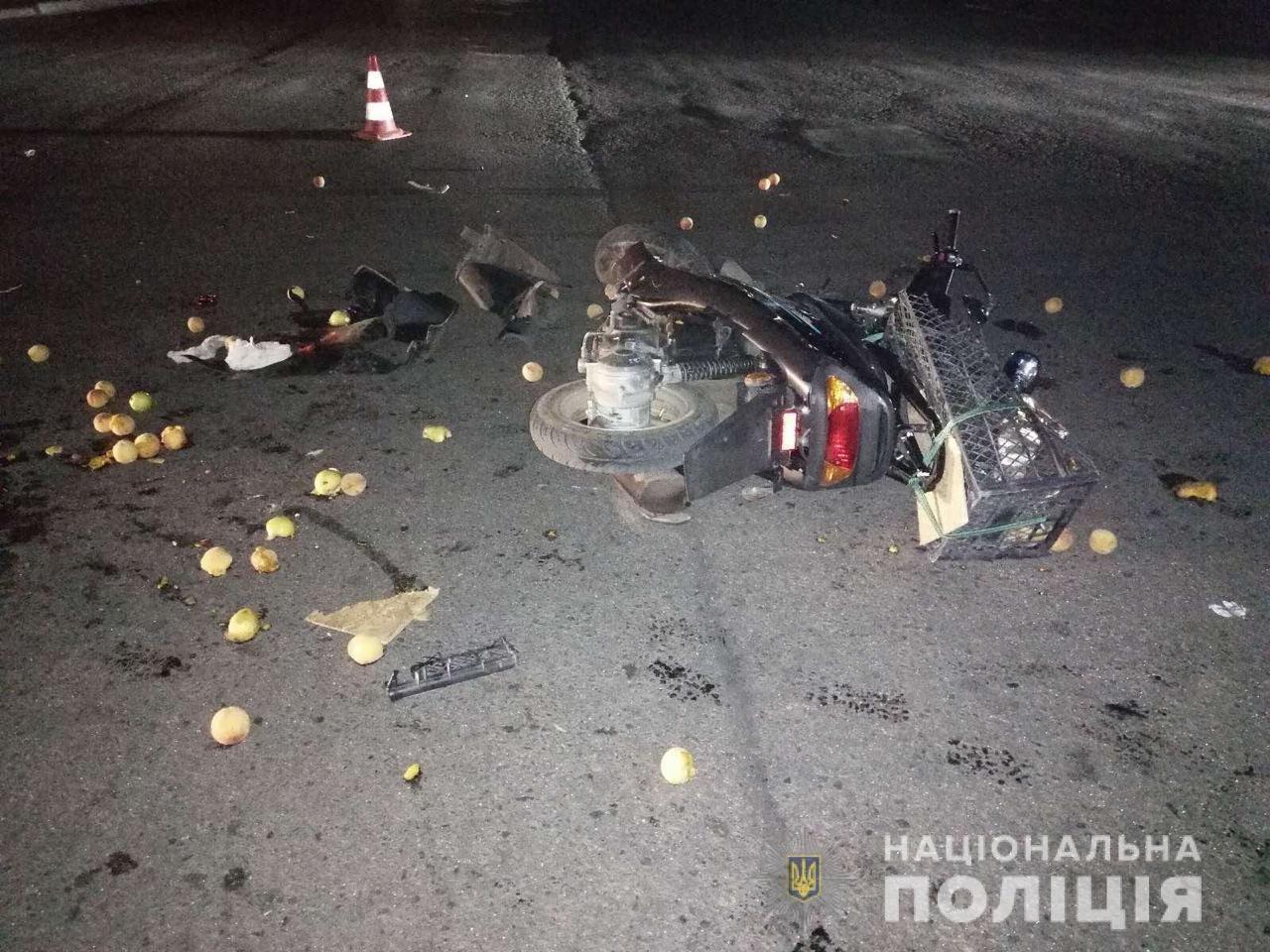 Мужчина и ребёнок в больнице: в Лозовой возле рынка произошло ДТП, фото-1