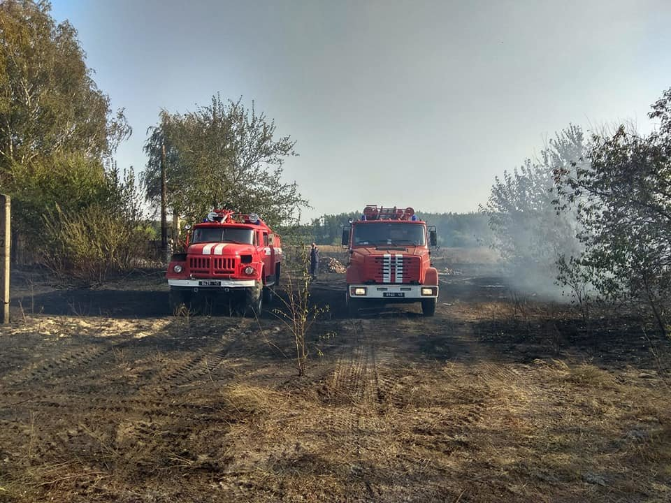На Харьковщине тракторист спас 20 жилых домов от огня, фото-10