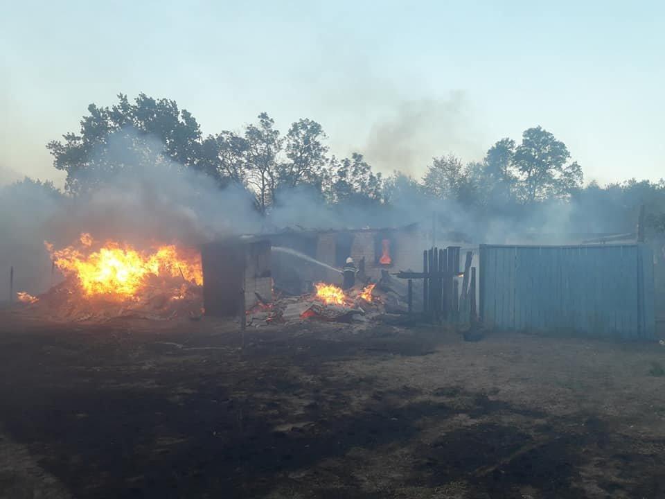 На Харьковщине тракторист спас 20 жилых домов от огня, фото-3