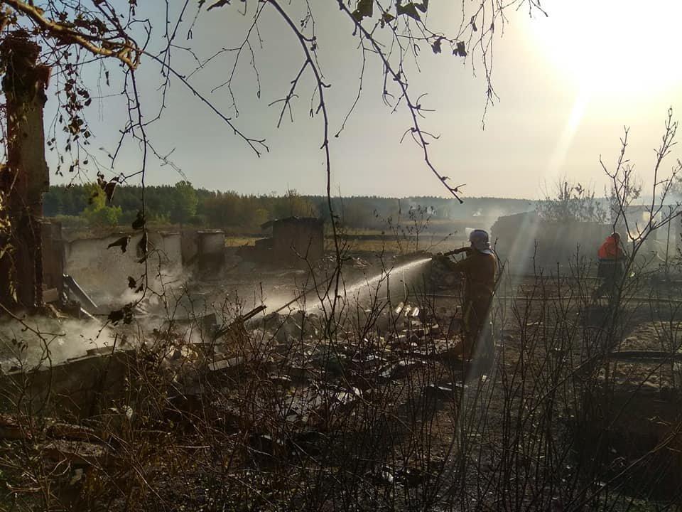 На Харьковщине тракторист спас 20 жилых домов от огня, фото-12