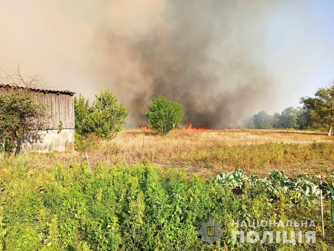 На Харьковщине тракторист спас 20 жилых домов от огня, фото-14