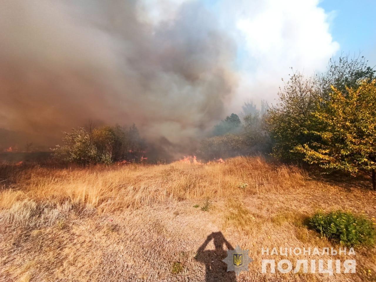 На Харьковщине тракторист спас 20 жилых домов от огня, фото-15