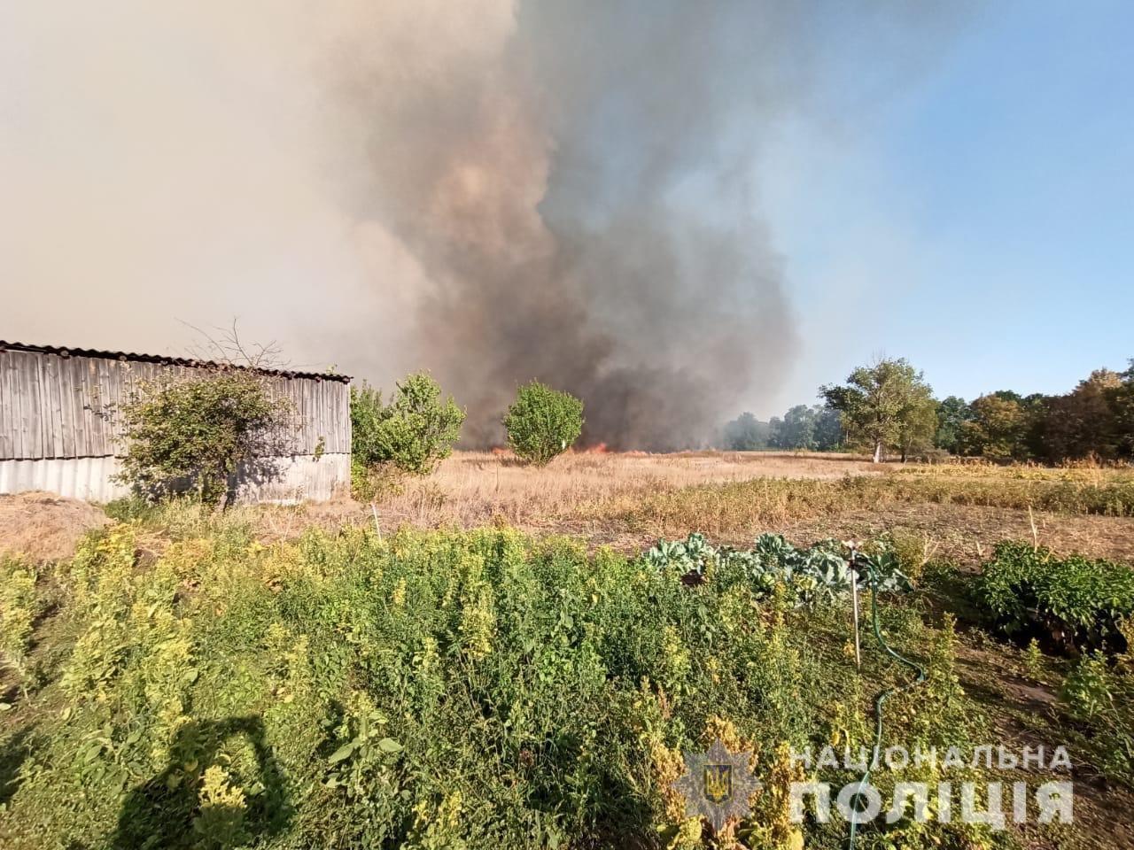На Харьковщине тракторист спас 20 жилых домов от огня, фото-16