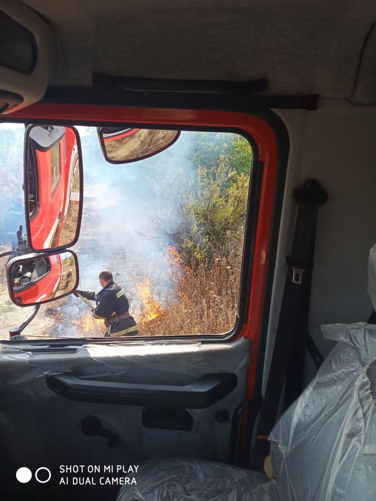 Горели трава и мусор: на Лозовщине за 2 суток  случилось 4 пожара, фото-5