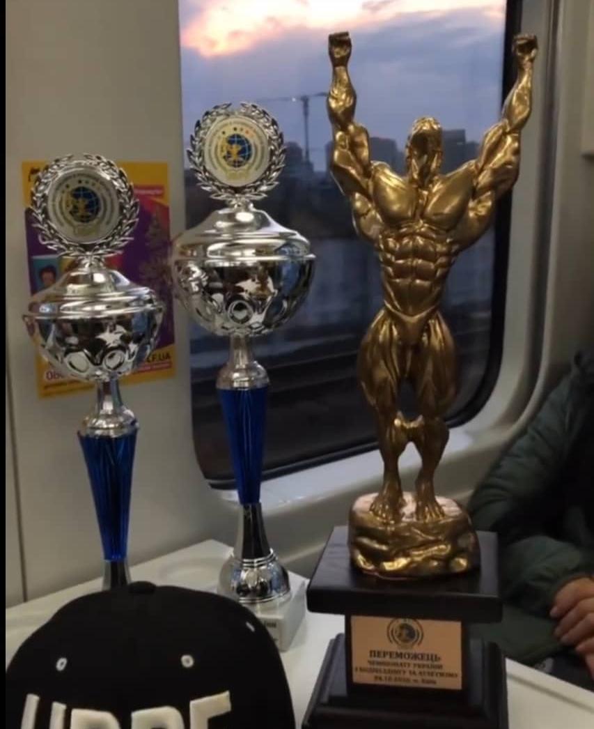 Лозовская спортсменка завоевала победу в чемпионате Украины по бодибилдингу, фото-1