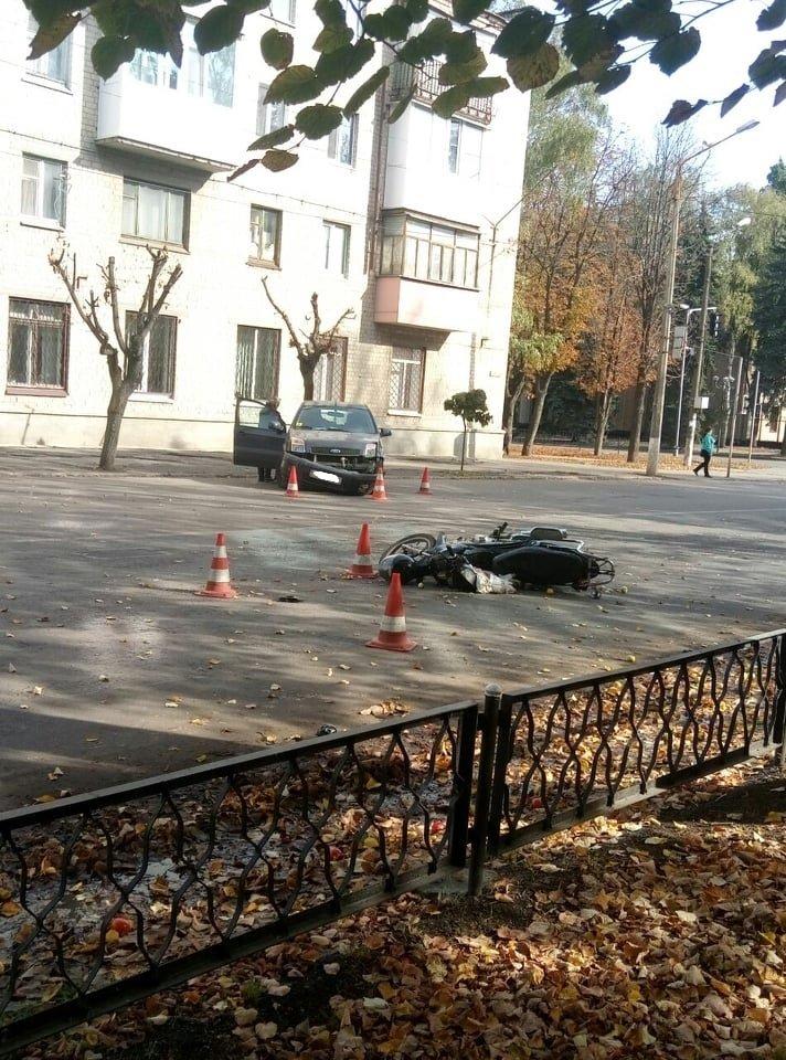 В Лозовой столкнулись Ford и мопед (ФОТО), фото-2