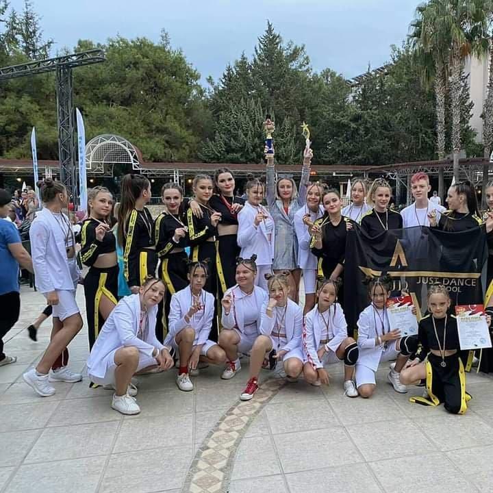 Победа в Турции: школа танцев из Лозовой получила награды международного фестиваля, фото-1