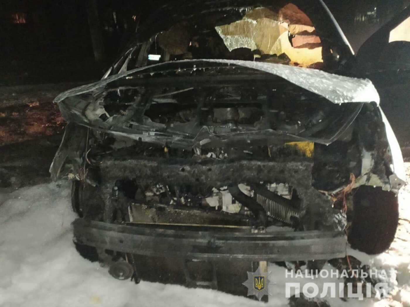 Подожгли ночью: В Лозовой сгорел автомобиль, фото-3