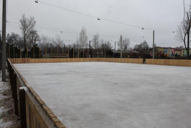 Для хоккея и для развлечений: на Лозовщине, в Близнюках, обустраивают 2 катка, фото-1