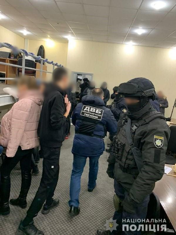 «Назвонили» 7 миллионов гривен: в Харькове задержали телефонных мошенников(ФОТО), фото-4