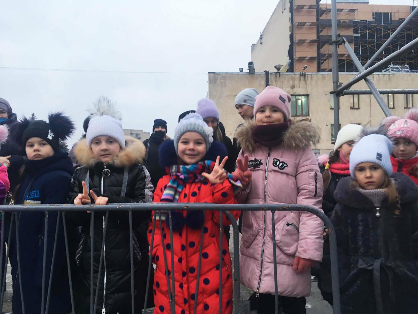 В Лозовой одновременно открыли 2 новогодние ёлки, фото-3