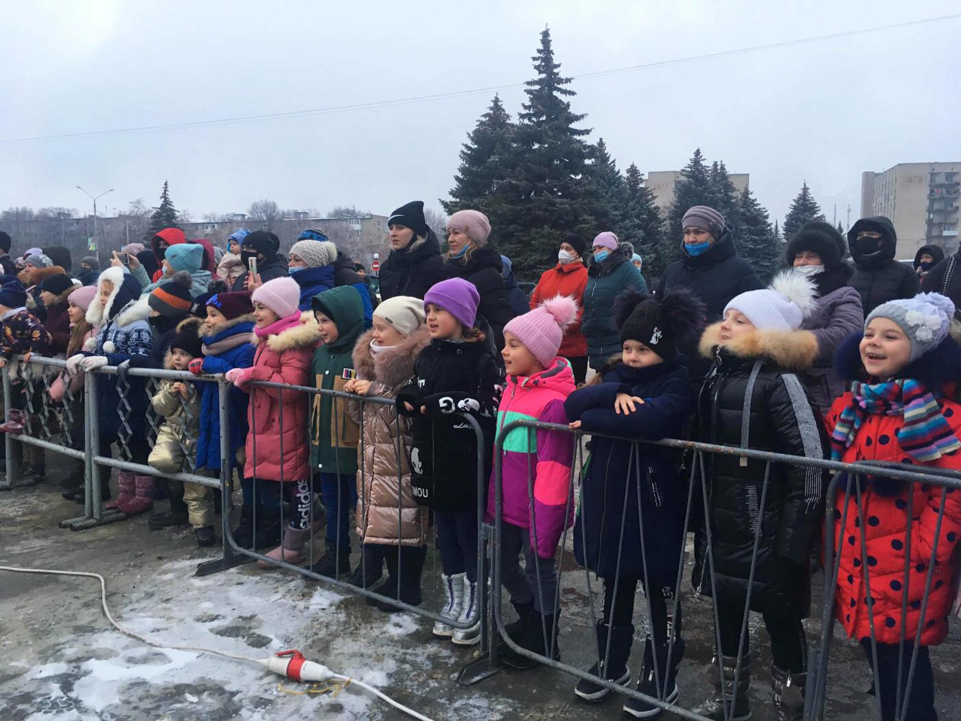 В Лозовой одновременно открыли 2 новогодние ёлки, фото-4