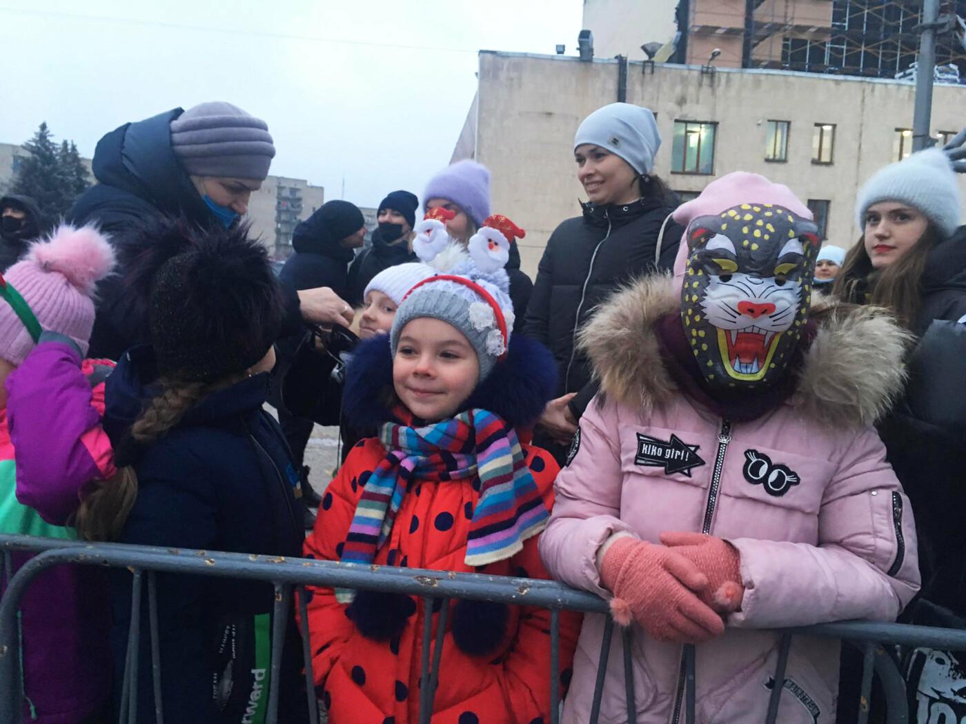 В Лозовой одновременно открыли 2 новогодние ёлки, фото-8