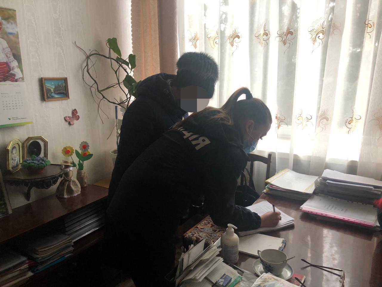 Не дитяча сума: Лозівська прокуратура звинувачує завідувачку дитсадка у привласнені грошей, фото-2
