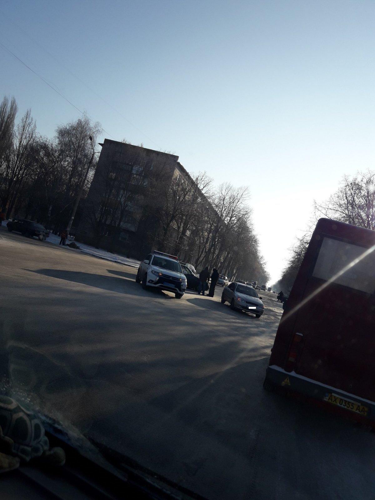 Не пропустив автівку: у Лозовій сталася ДТП, фото-2