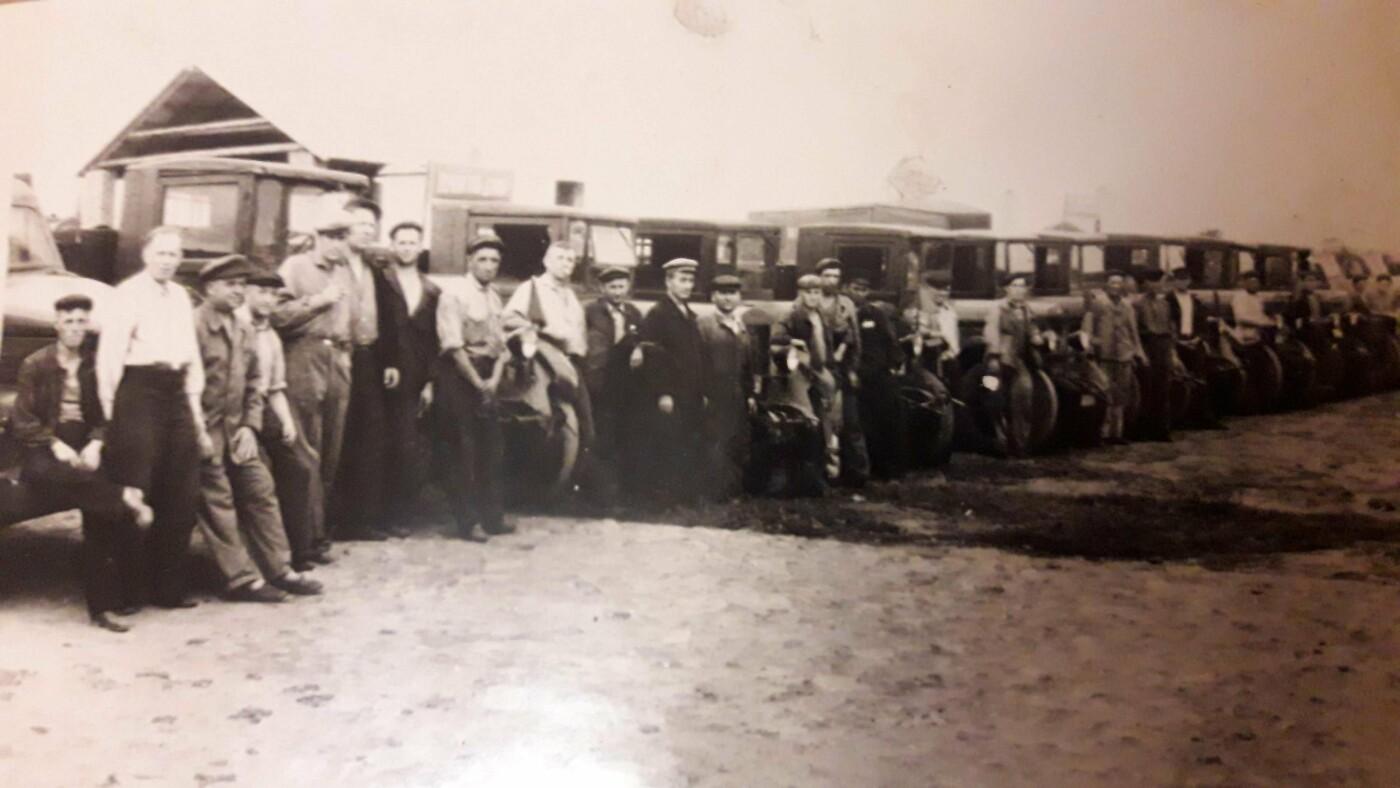 Міський автопарк: яким був перший автобус у Лозовій, фото-2