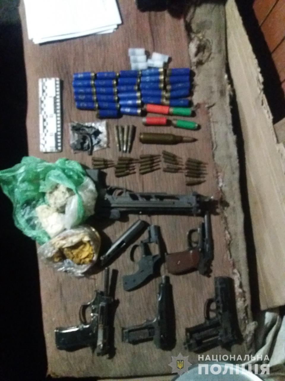 На Лозівщині затримали чоловіка, який виготовляв та ремонтував зброю на своїй дачі, фото-6