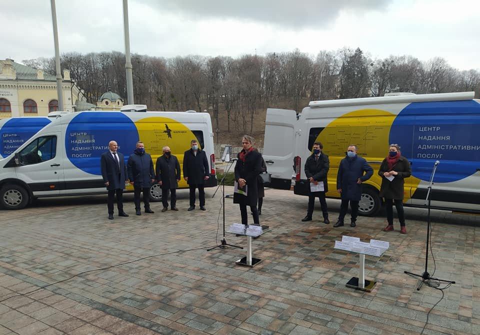Для жителів віддалених сіл: Лозівщина отримала «ЦНАП на колесах», фото-7