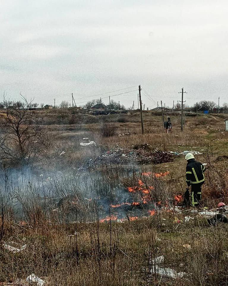 За тиждень лозівських рятувальників 6 разів викликали гасити сухостій, фото-3