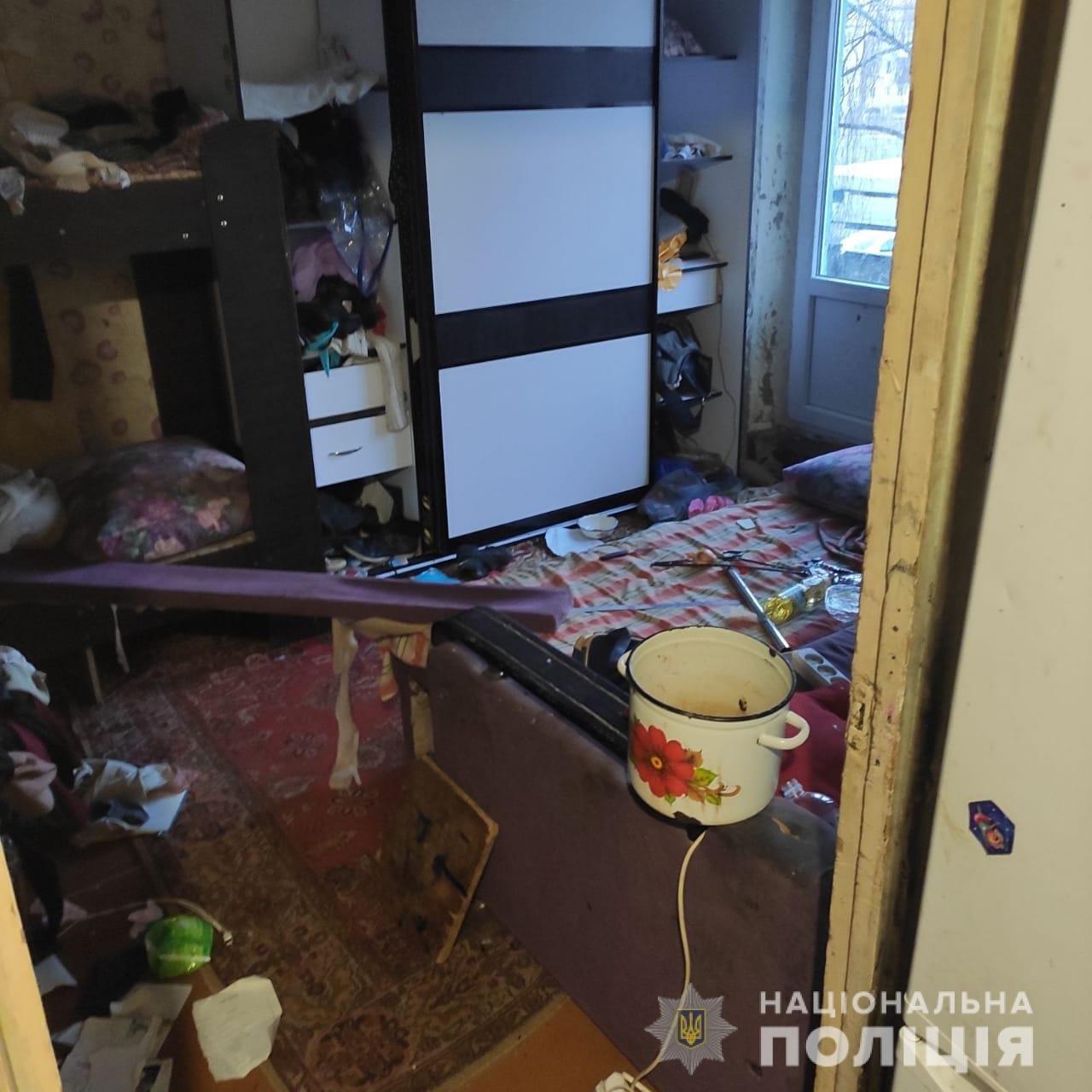 Голодні блукали містом: на Лозівщині, у Первомайському, мати залишила дітей та поїхала у Київ, фото-4