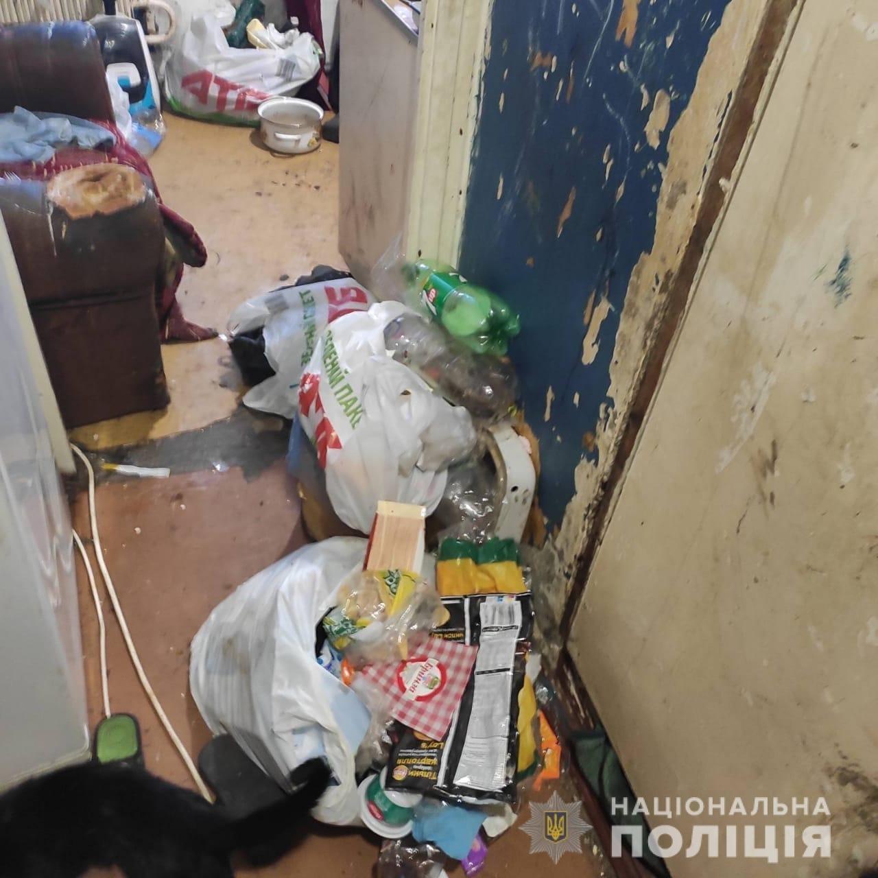 Голодні блукали містом: на Лозівщині, у Первомайському, мати залишила дітей та поїхала у Київ, фото-1