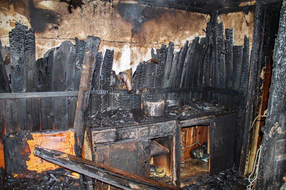 У Лозовій пожежні врятували житловий будинок від займання (ВІДЕО), фото-1