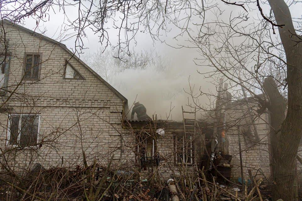 У Лозовій пожежні врятували житловий будинок від займання (ВІДЕО), фото-3
