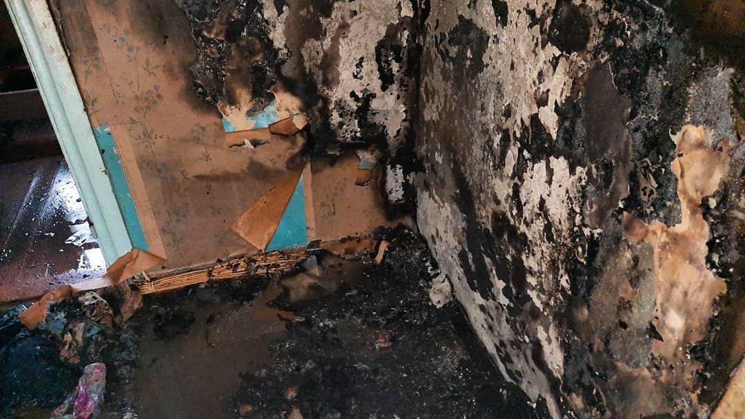 Горіли пральна машина та меблі: на Лозівщині пожежники врятували чоловіка, фото-3