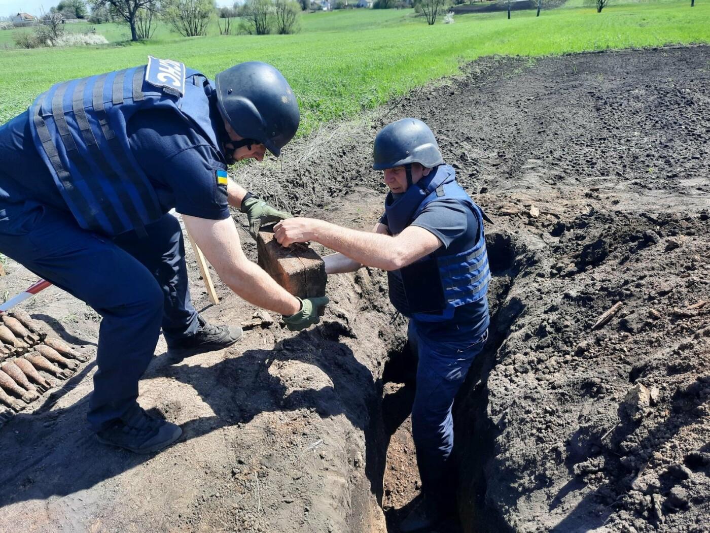 Знову небезпечна знахідка: на Лозівщині селянин виявив півтори сотні снарядів, фото-5