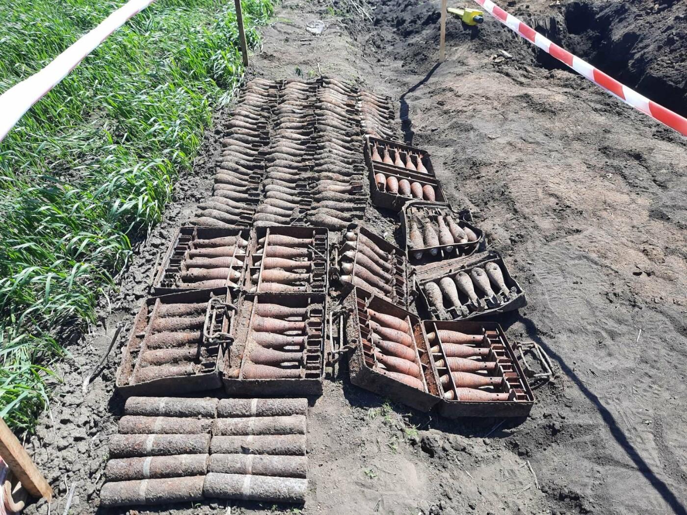 Знову небезпечна знахідка: на Лозівщині селянин виявив півтори сотні снарядів, фото-4