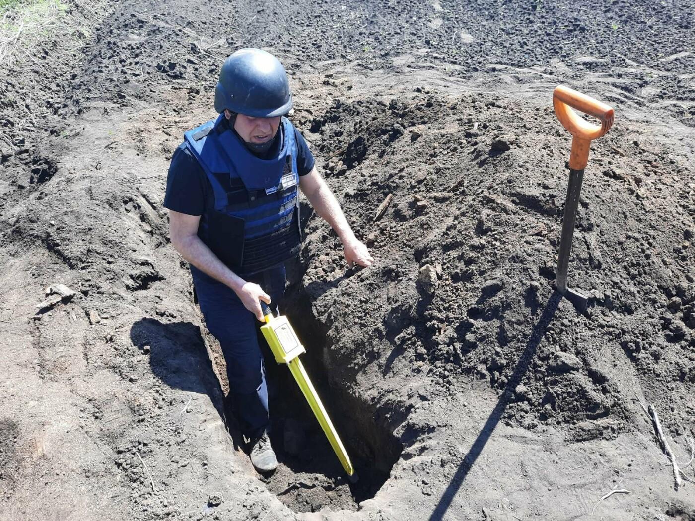 Знову небезпечна знахідка: на Лозівщині селянин виявив півтори сотні снарядів, фото-3