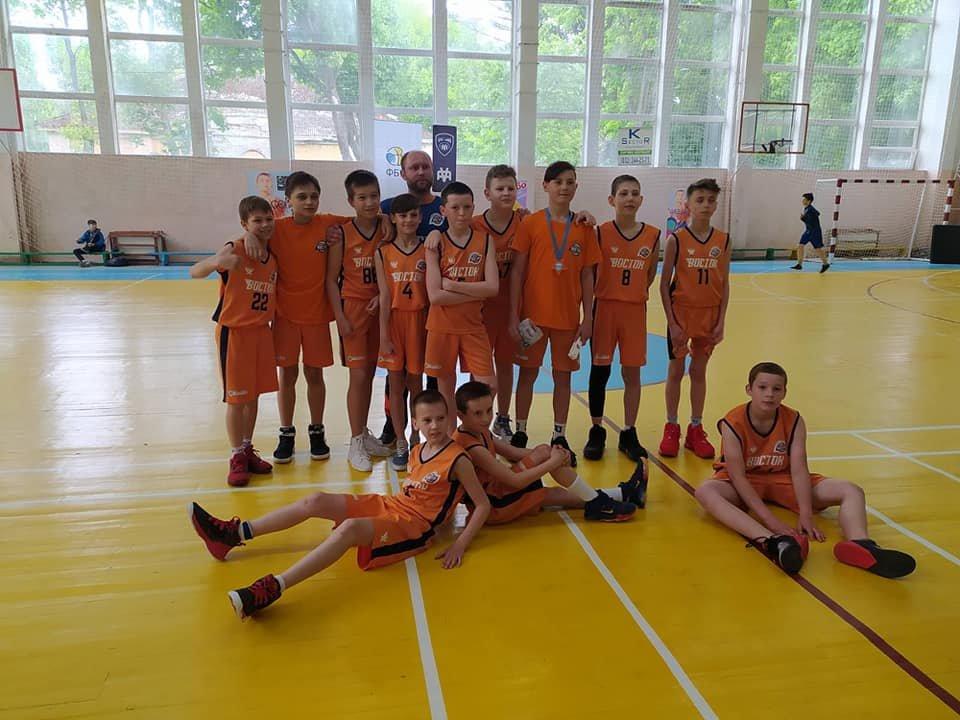 «Забрали всі призи»: лозівські баскетболісти перемогли у дивізіоні «Б» , фото-7