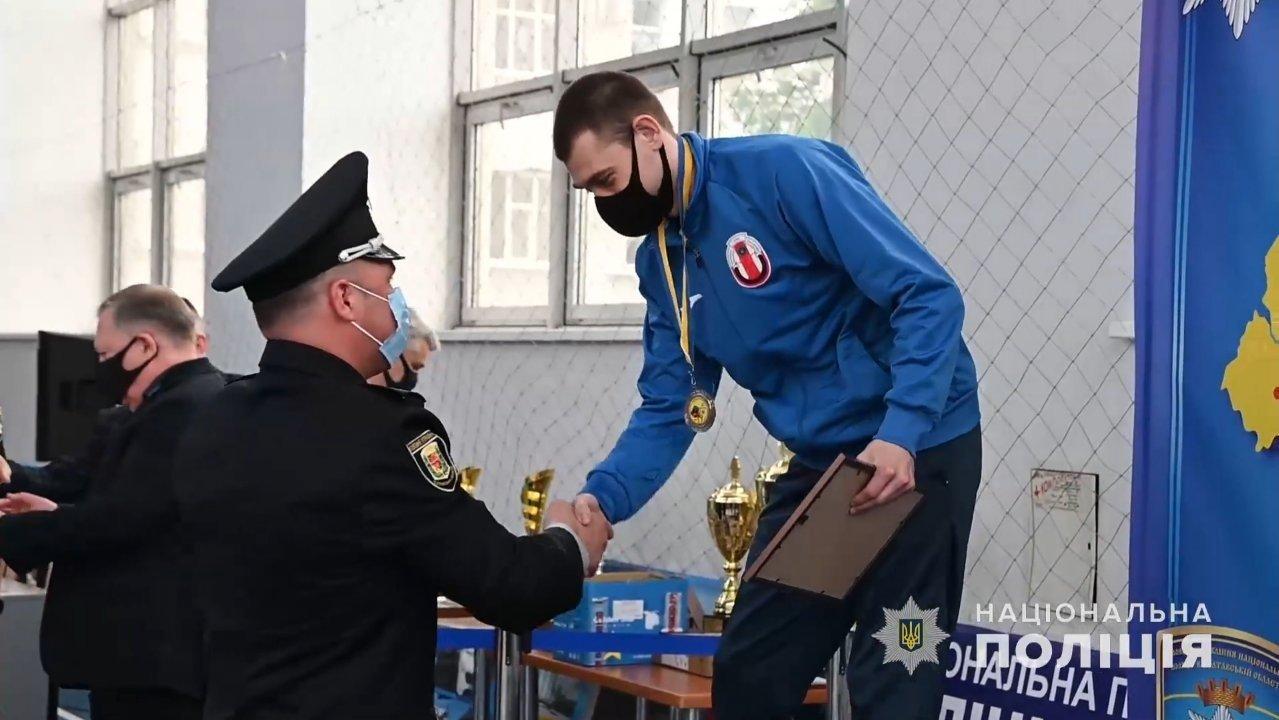 Друга участь і перемога: поліцейський з Лозової отримав нагороду на чемпіонаті з самбо, фото-1